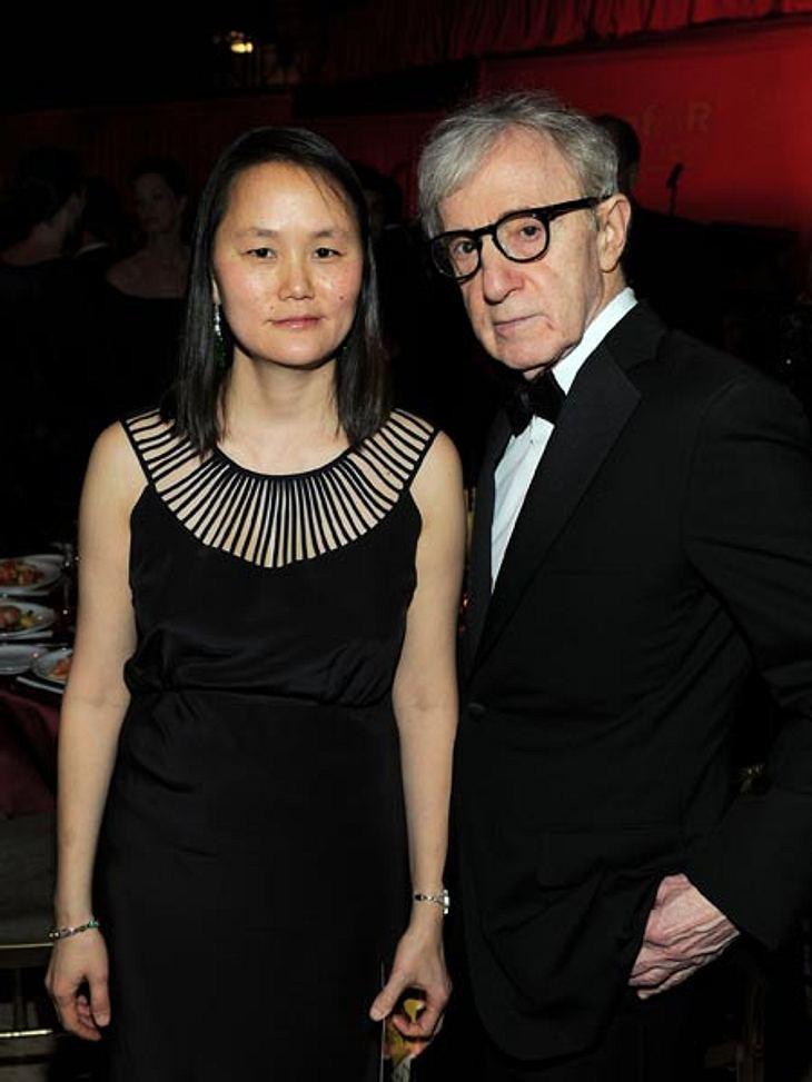 Prominente Paare mit großem AltersunterschiedSkandalös! Soon-Yi (40) war die Adoptivtochter vonWoody Allen (75), die er mit seiner Ex-Frau Mia Farrow (66) adoptierte. 1997 gab sich das ungleiche Paar das Ja-Wort und adoptierte auch zwei Kin