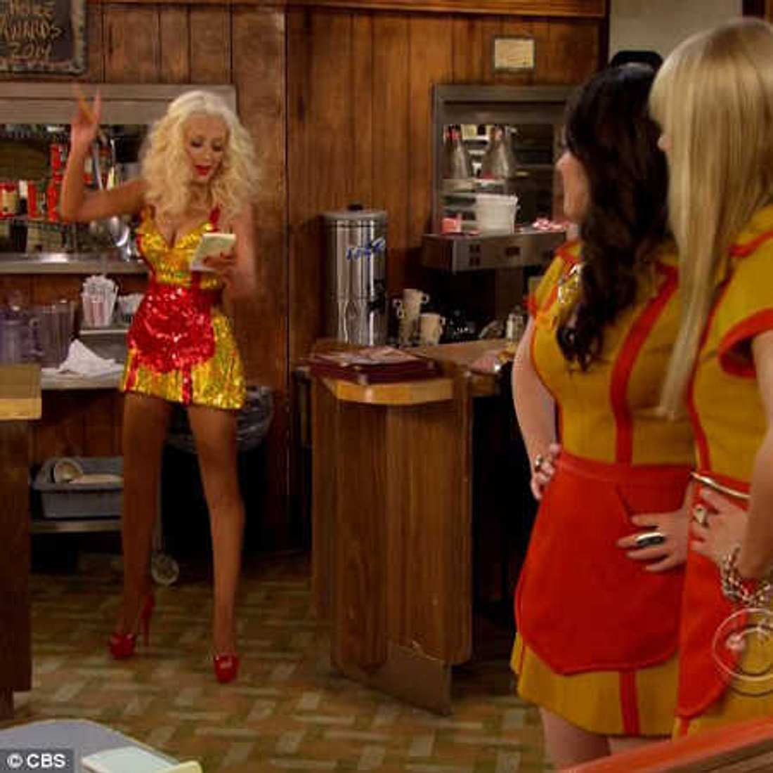 "Christina Aguilera bei ""2 Broke Girls"""