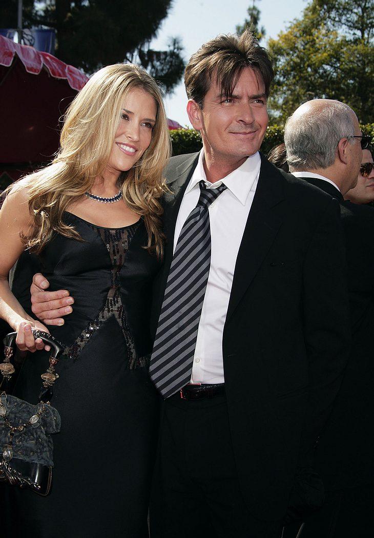 Zum Glück ist weder dem Baby in ihrem Bauch noch Charlie Muellers Ehefrau Brooke Mueller bei der Notfall-OP etwas passiert! Hier zeigte sich das Paar in trauter Zweisamkeit bei den Emmys 2007