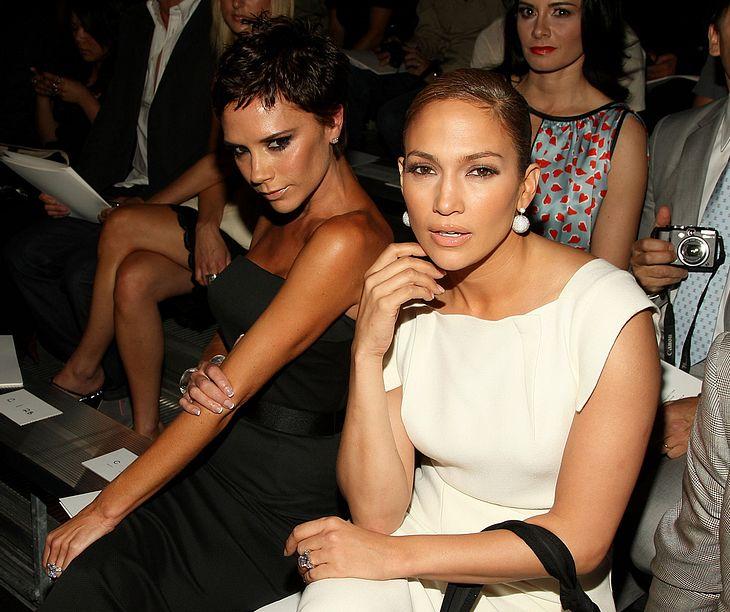 Jennifer Lopez und Victoria Beckham - zwei Superstars in trauter Zweisamkeit vereint. Aber ob das wirklich wahre Freundschaft ist?