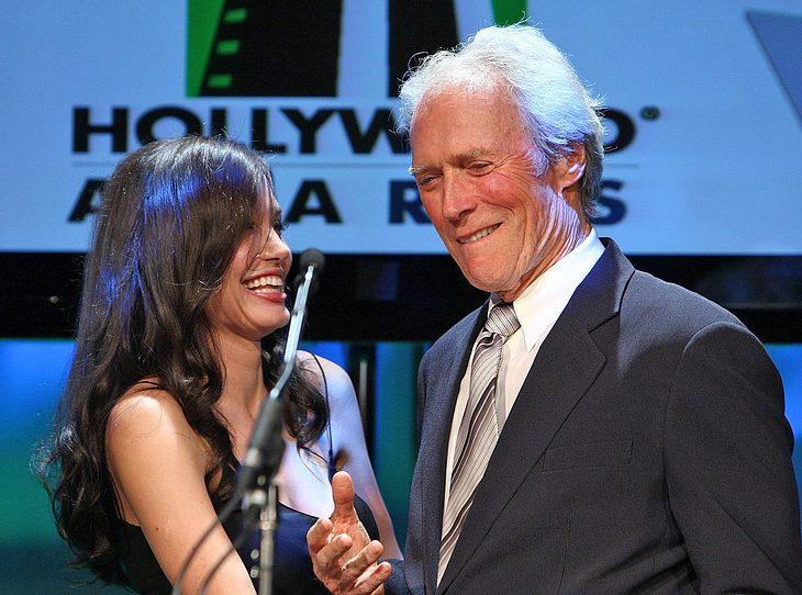 Angelina Jolie ist für jede Überraschung gut! Clint Eastwood freute sich über ihre Laudatio!