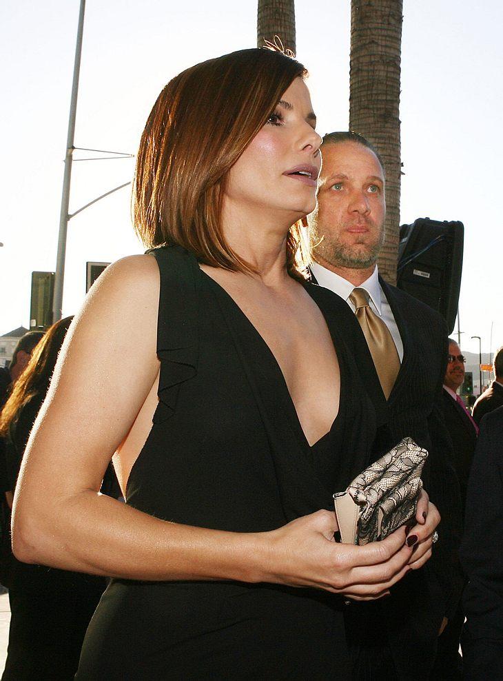 Sandra Bullocks Ehemann Jesse James wurde gerade verklagt. Angeblich soll er dreisten Ideen-Klau betrieben haben...