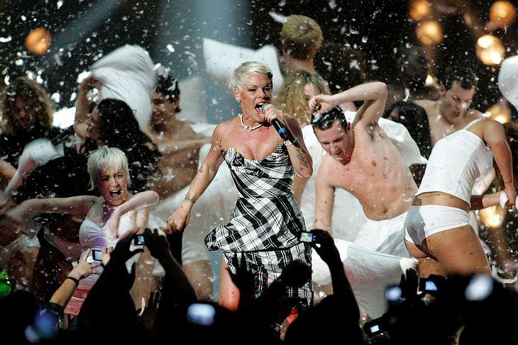 Pink rockte mit ihrem Siegersong die Bühne