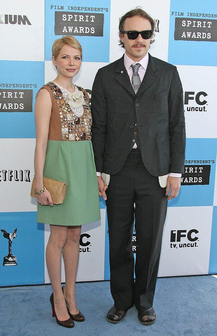 Michelle Williams mächte den Golden Globe für Heath Ledger entgegen nehmen - seine Familie ist sauer!