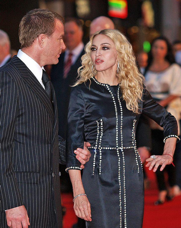 Im Scheidungskampf mit Madonna geht Guy doch nicht leer aus!