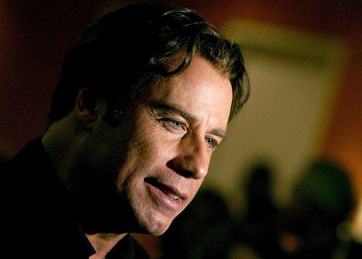 Nach dem Tod seines Sohnes Jett kommt John Travolta einfach nicht zur Ruhe. In einem Erpressungsfall wurden nun die ersten Verdächtigten festgenommen!