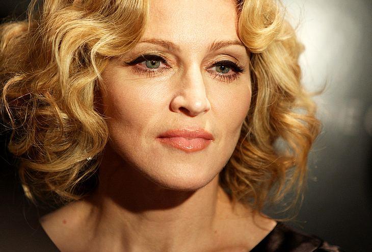 """Was für ein Horror! Ein Scherzkeks erlaubte sich einen Spaß mit Madonna und schickte der Sängerin 100 DVD und 50 Bücher von dem Horror-Schocker """"Es"""""""