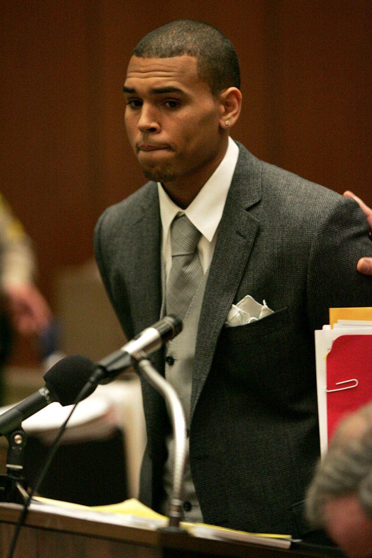 Ganz brav: Prügel-Rapper Chris Brown während seines ersten Auftritts vor Gericht