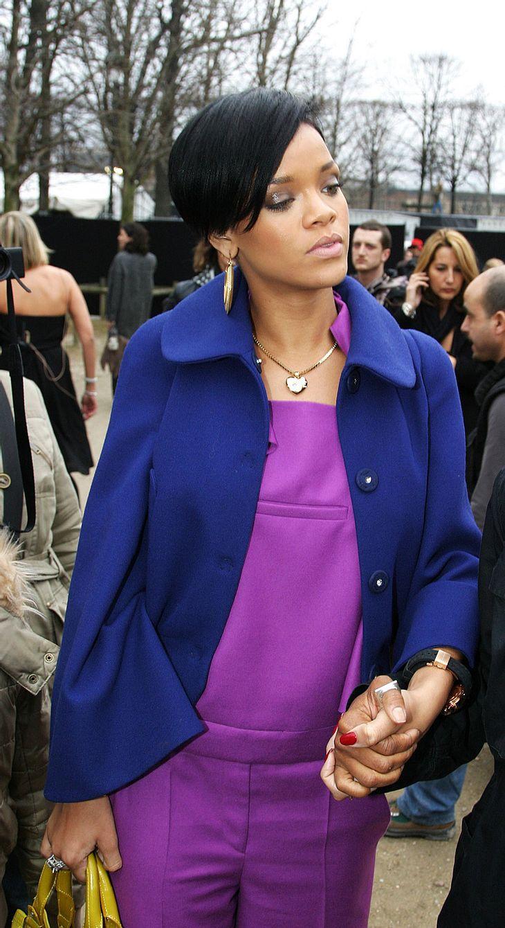 Ablenkung ist die beste Medizin! Rihanna hat sich nach den schlimmen Geschehnissen mit Lover Chris Brown wieder ins Tonstudio begeben