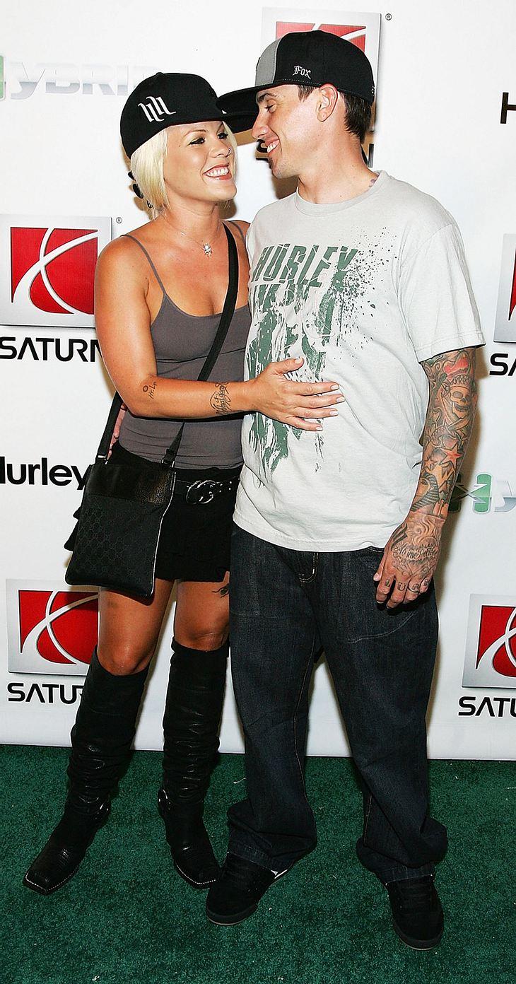 Pink und Carey Hart wollen es angeblich noch mal tun - und ihr Eheversprechen im Sommer erneuern!