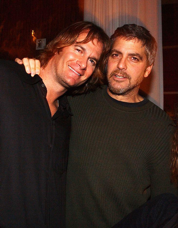 George Clooney springt für seinen Kumpel Rande Gerber, der gerade wegen sexueller Belästigung angeklagt wurde, in die Bresche