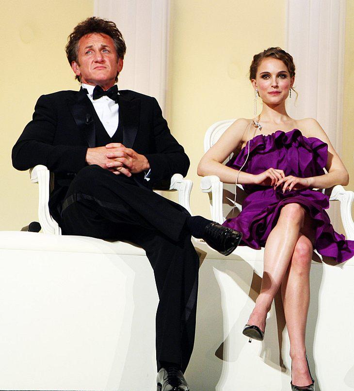 Was läuft da zwischen Natalie Portman und Sean Penn? Angeblich soll Nat mit Schuld an dem Eheaus des Schauspielers und Robin Wright Penn sein...