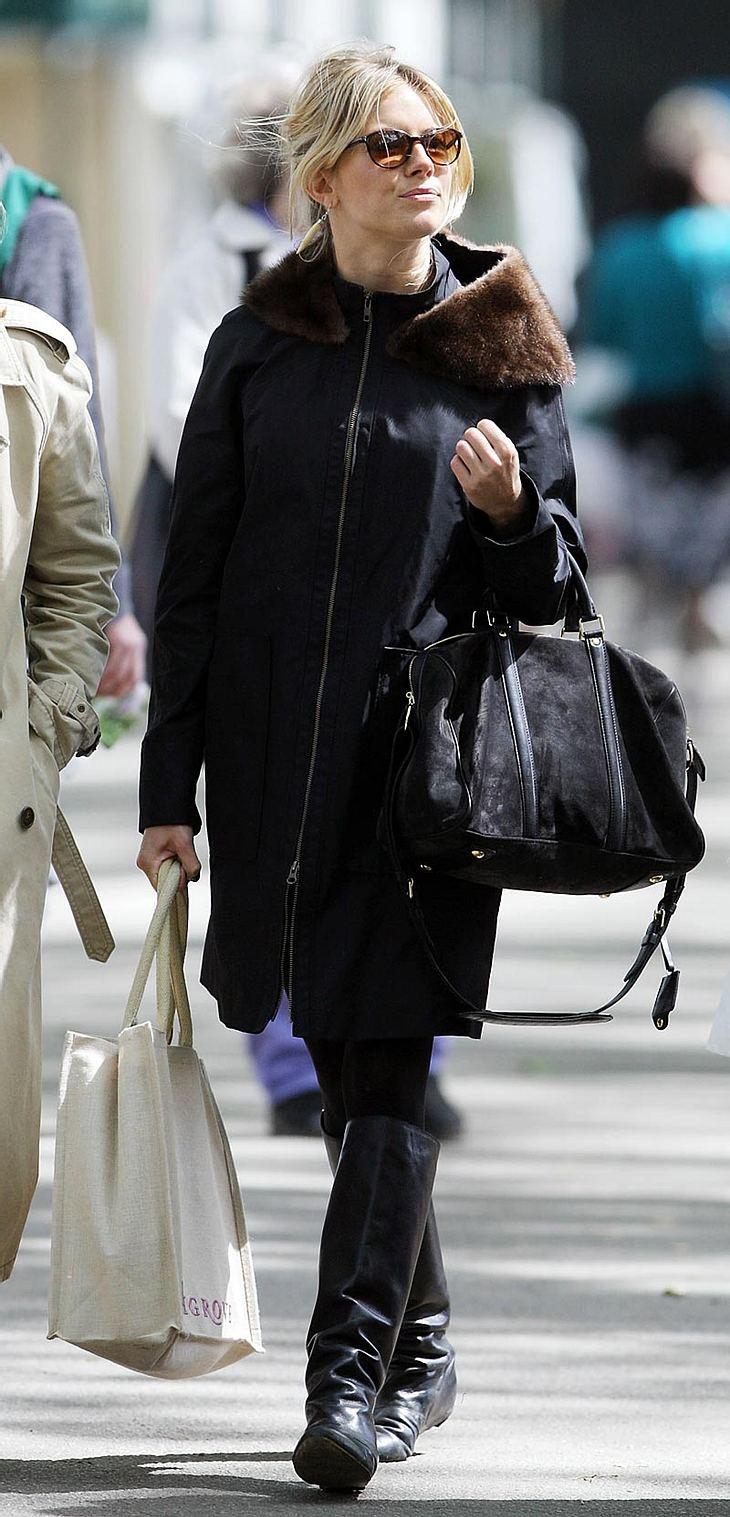 """Sienna Miller startet einen Restaurant-Boykott. Da der Londoner Szeneladen """"Nobu"""" eine gefährdete Tierart auf der Speisekarte hat, gehen sie und andere Stars auf die Barrikaden"""