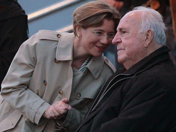 Prominente Paare mit großem AltersunterschiedMaike Richter (46) ist eine ehemalige Mitarbeiterin des Kanzleramts. 2005 stellte Helmut Kohl (81), trotz 35 Jahren Altersunterschied, der Öffentlichkeit seine Liebe vor. Paare aus Gold: Im Doppe