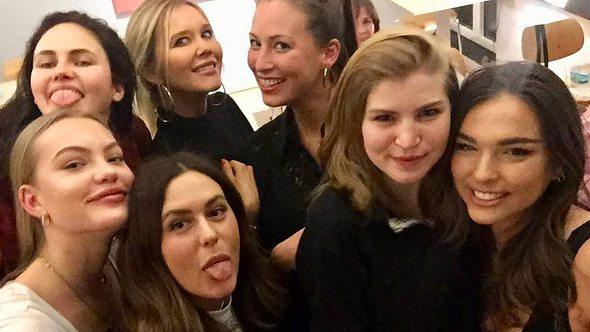 Neue Doku 7 Töchter: Dieser Promi-Nachwuchs ist dabei! - Foto: TVNow