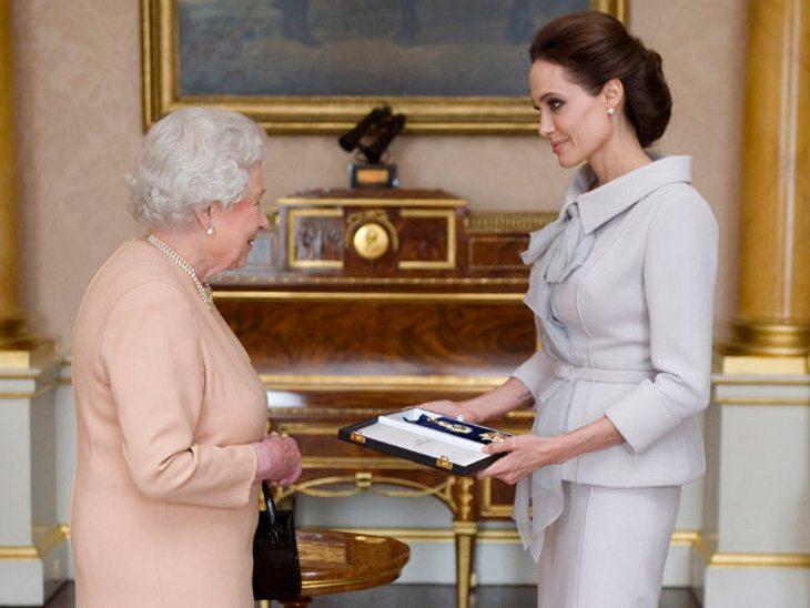 Von der Queen wurde Angelina Jolie für ihre Arbeit ausgezeichnet