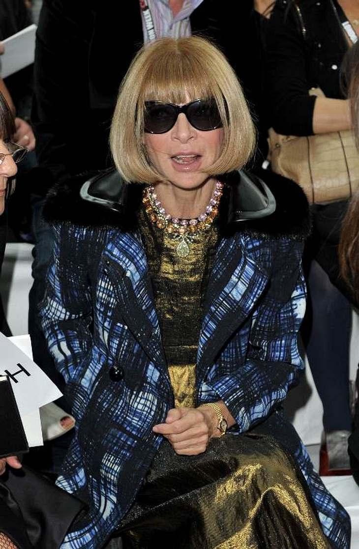 ,Vogue-Chefin Anna Wintour sitzt natürlich immer in der ersten Reihe: Hier bei der Show von Nicole Farhi.