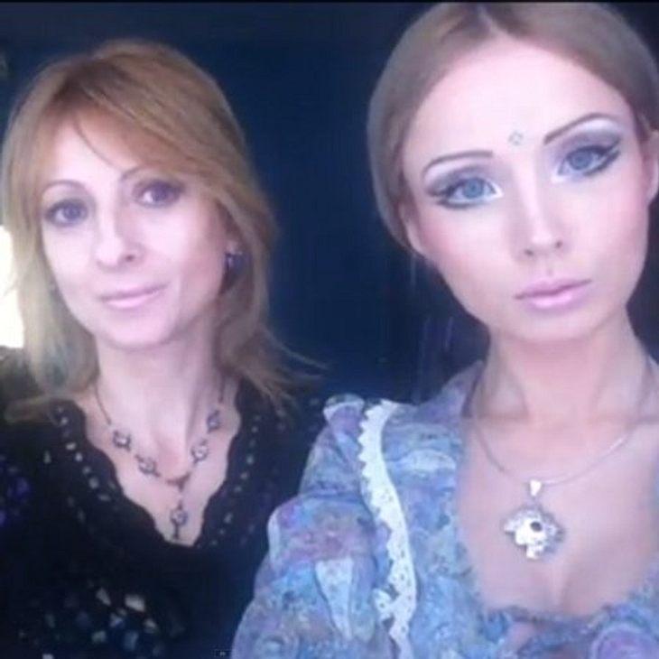Ihren Puppen-Wahn scheint Valeria von ihrer Mutter zu haben