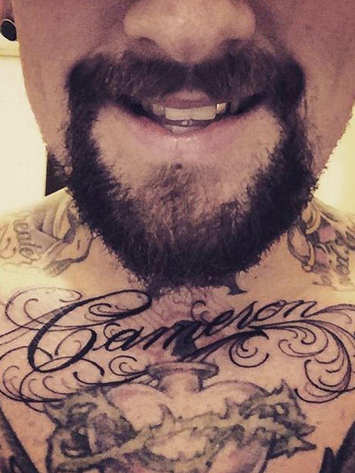 Neues Tattoo ziert seine Brust