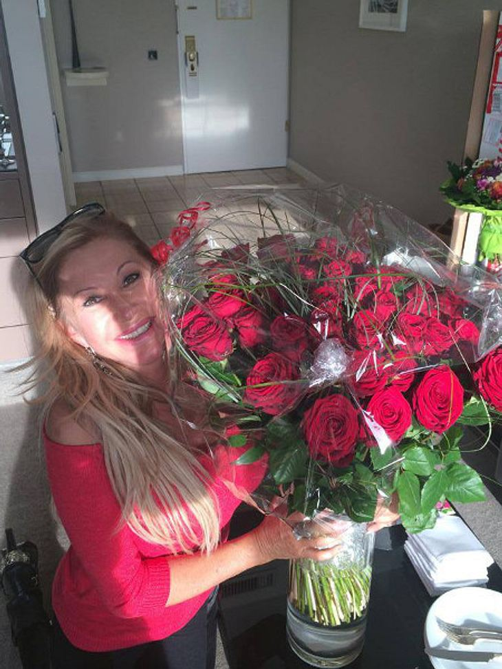 Carmen Geiss bekam zum Geburtstag 49 rote Rosen