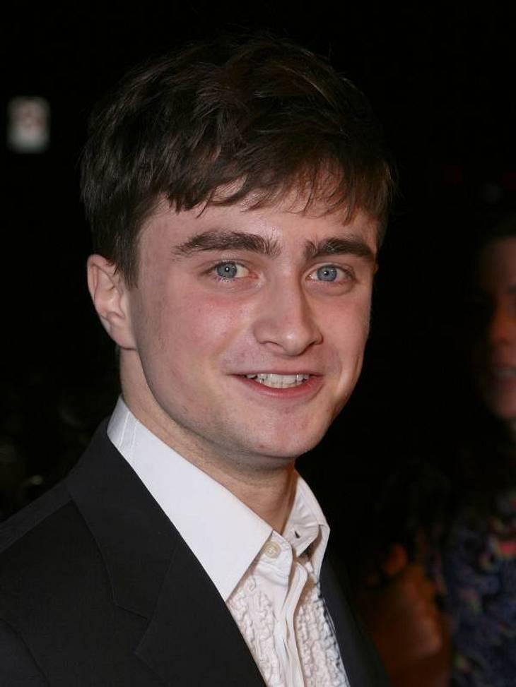"""Doppelgänger: Die doppelten VIP-LottchenDaniel Radcliffe zaubert sich langsam, aber sicher aus seinem """"Harry Potter""""-Image heraus und konkurriert nun mit Elijah Wood, mit dem er allein optisch eindeutig verwandt sein könnte."""
