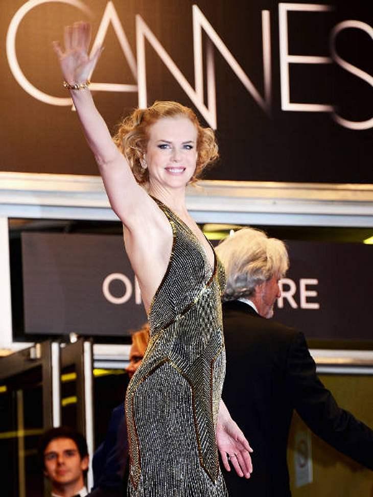 Achtung Busenblitzer! Die Dekolletés der anderen Art,Nicole Kidman (44) zeigt sich Star-like in Cannes: Das schimmernde Kleid mit Rückenausschnitt lässt den Brustansatz nur erahnen. Very Glamorous!