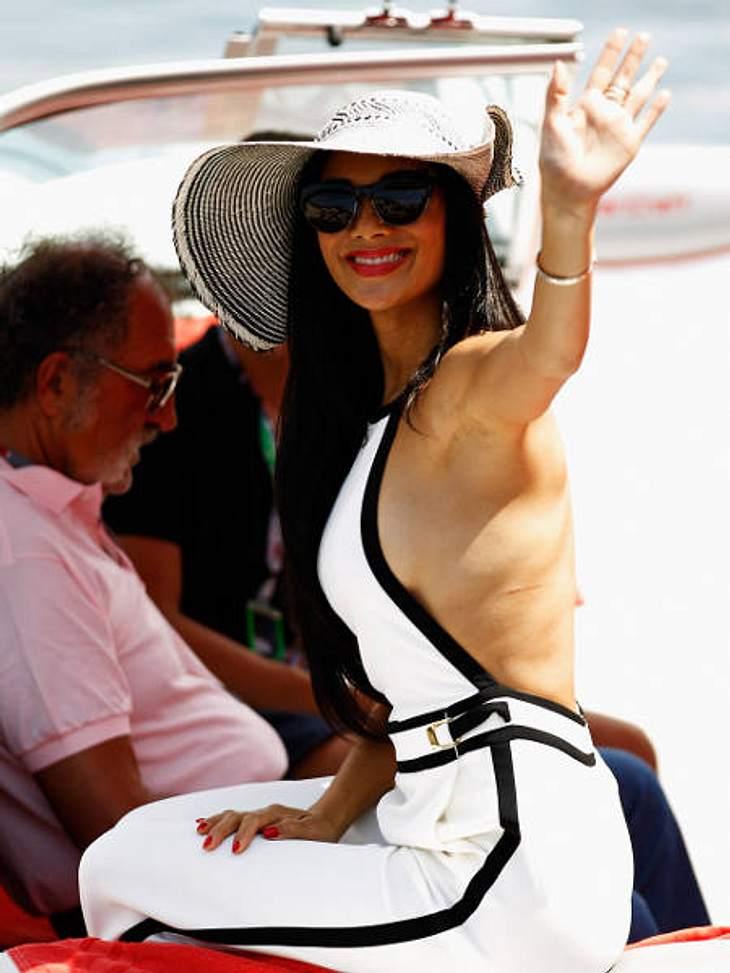 Achtung, Busenblitzer! Die Star-Dekolletés der anderen Art,Nicole Scherzinger (33) zeigte sich rückenfrei mit seitlichem Dekolleté beim Grand Prix in Monaco...