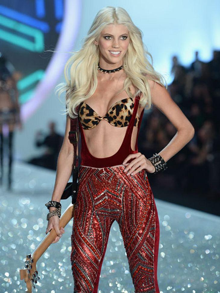 """""""Victoria's Secret"""" 2013 - So sexy und spektakulär war die ShowDevon Windsor gibt hingegen die funky Rockröhre."""