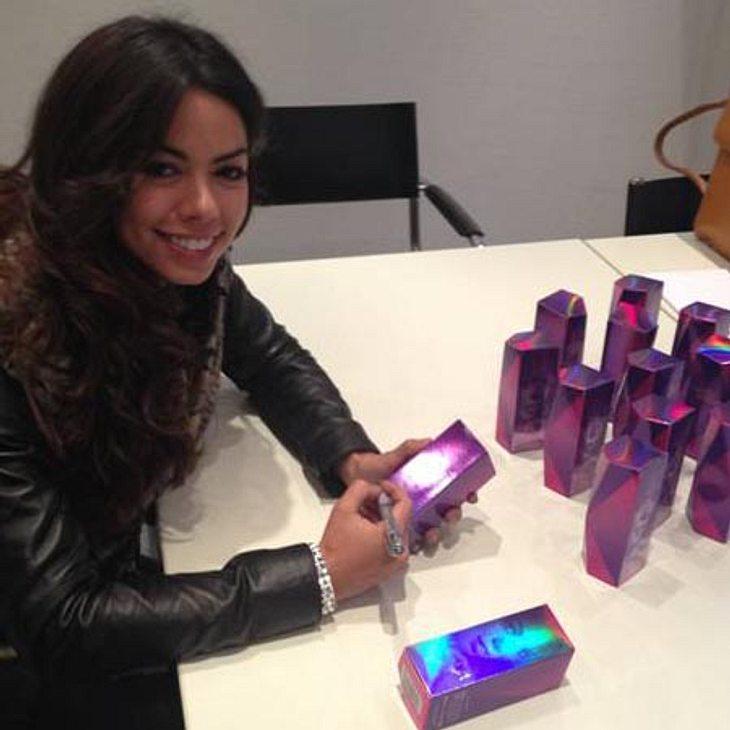 Fernanda hat 15 Düfte handsigniert
