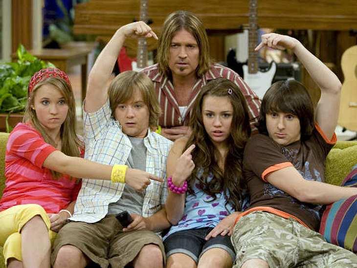 """Filmstars - Wer eigentlich ihre Rollen spielen sollte: """"Hannah Montana"""",Miley Cyrus war eigentlich zu jung für die """"Hannah Montanah""""-Rolle. Sie bekam die Rolle dennoch, trotz starker Konkurrenz..."""
