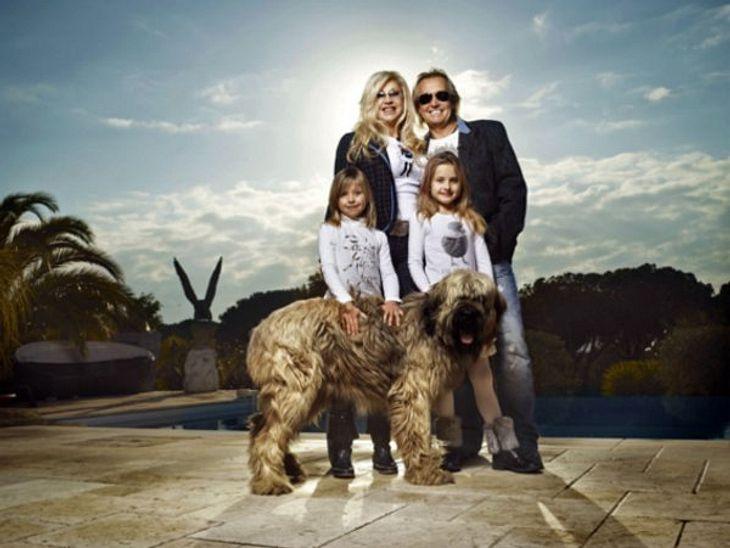 Die Geissens - 15 Gründe, warum wir sie einfach lieben!Weil sie einfach eine schrecklich glamouröse Familie sind! Den Geissens gelingt immer der Auftritt, sie unternehmen die verrücktesten Sachen und sind immer top gestylt. Diese Familie ma