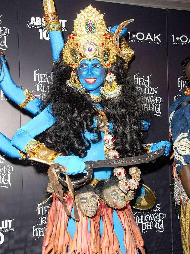 Heidi Klum bei ihrer eigenen Party als Gottheit Kali.