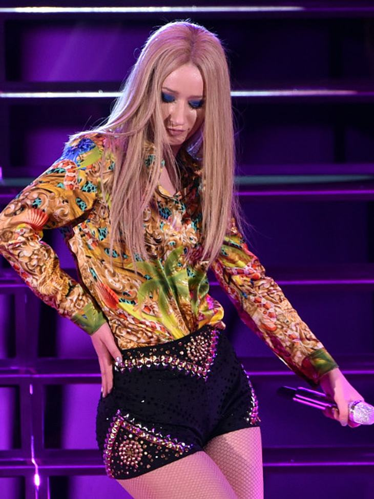 Bei ihren sexy Tanzeinlagen offenbarte Izzy Azalea ihren Intimbereich