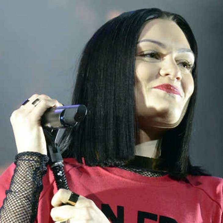 Jessie J holte sich prominente Unterstützung auf die Bühne!