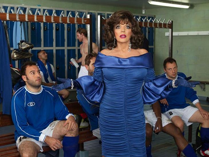 So wie in diesem Werbespot kennt man sie: Joan Collins als zickige Diva.