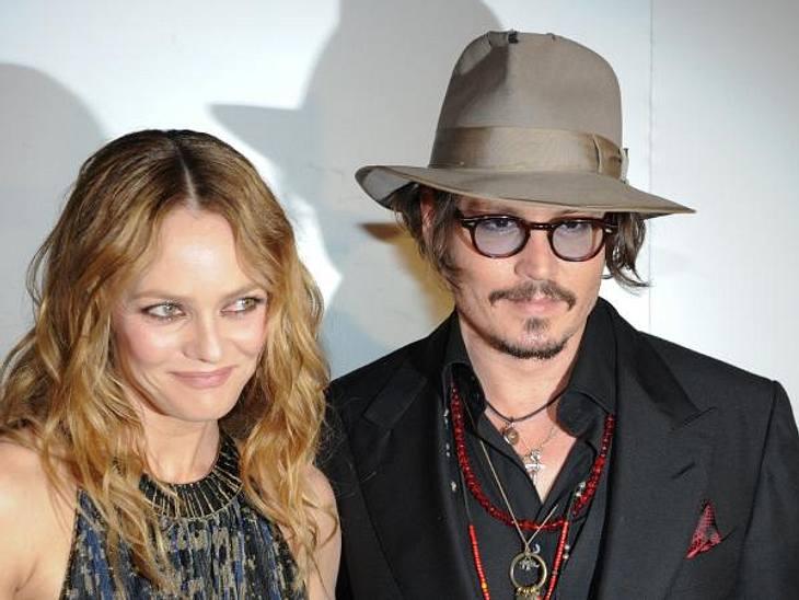 Johnny Depp und Vanessa Paradis: Bilder einer LiebeSie waren das Traumpaar Hollywoods schlechthin: Johnny Depp (49) und Vanessa Paradis (39) schienen beizeiten das letzte Promi-Paar zu sein, dessen Liebe für die Ewigkeit bestimmt war. Währe