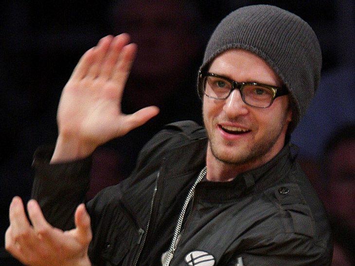 Die Star-Allüren der PromisOhne dem Spiegel über seinem Bett läuft gar nichts. Dazu verlangt Diva Justin Timberlake, dass alle paar Stunden die Türklinken in seinem Zimmer desinfiziert werden. Fast schon unverschämt ist seine Forderung, das