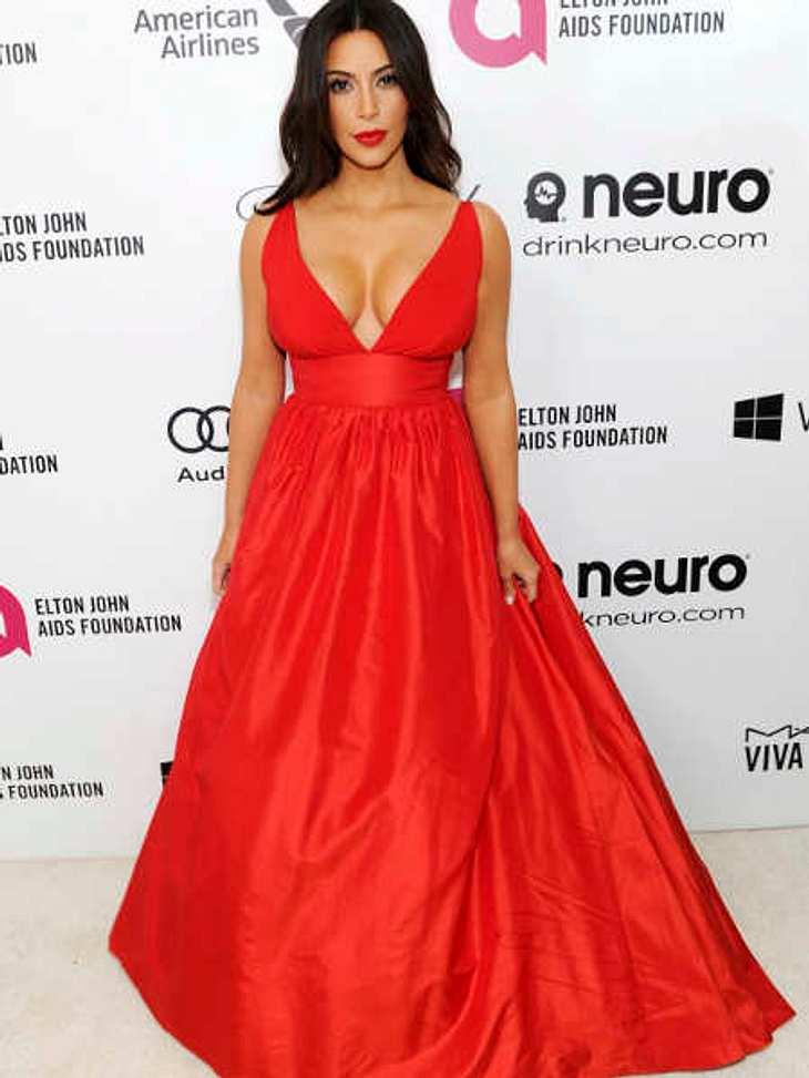 Kim Kardashian als Lady in Red