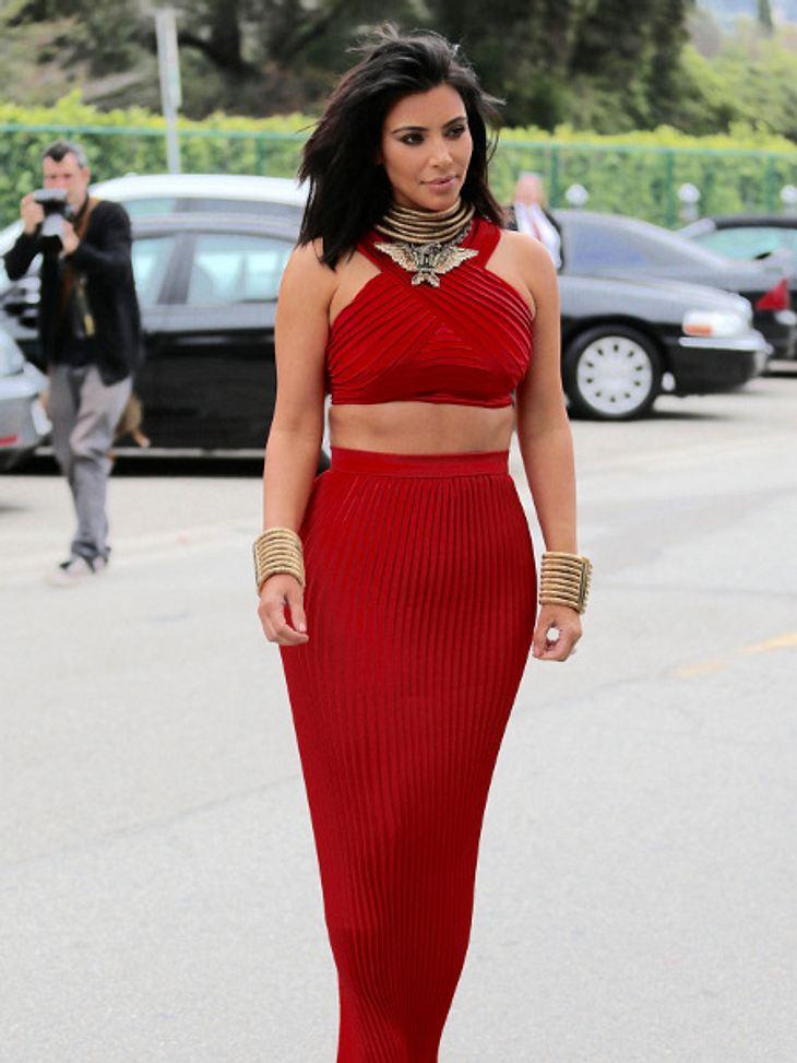 Kim Kardashian trägt jetzt Long Bob
