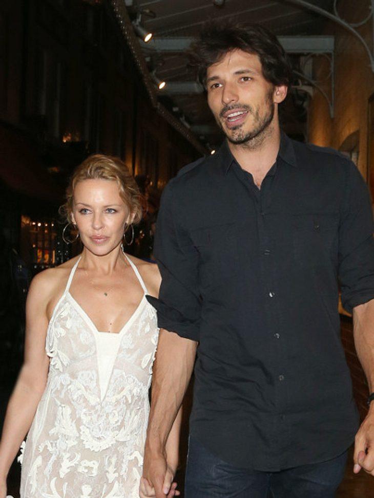 Kylie Minogue ist nach 5 Jahren Beziehung wieder Single