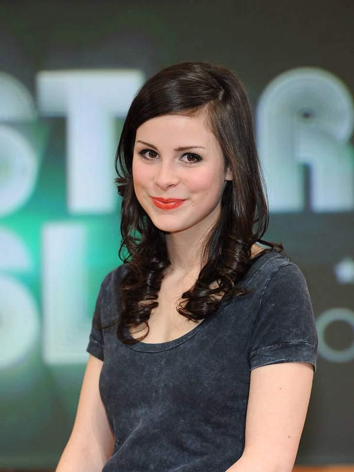 Stars und ihre DoppelgängerLena Meyer-Landrut (21) wäre bestimmt gern so erfolgreich im Filmgeschäft wie Nora. Aber vielleicht kann sie sich durch die nun mal vorhandene Ähnlichkeit eine Rolle erschummeln.
