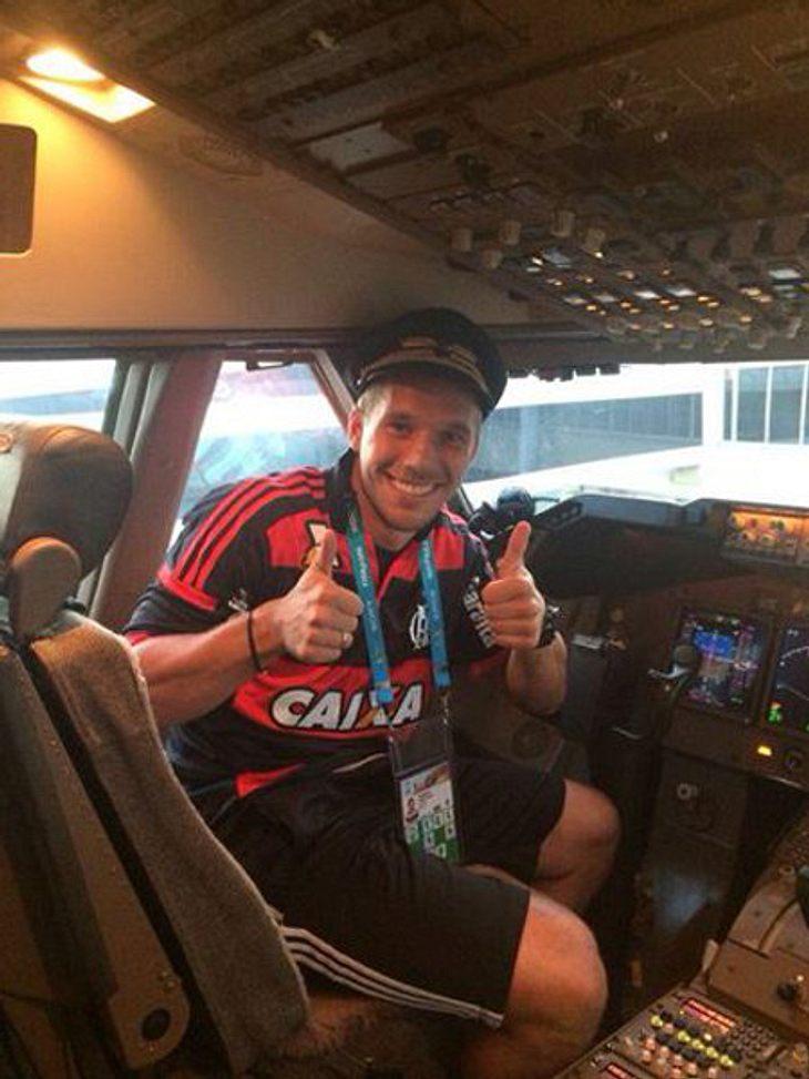 Lukas Podolski und Co. auf dem Heimflug