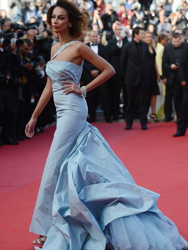 Cannes 2012Das rumänische Model Madalina Ghenea wäre besser im Badeanzug in Cannes erschienen. Das feuchte Wetter machte aus jeder Taft-Robe ein unangenehmes Kleidungsstück...