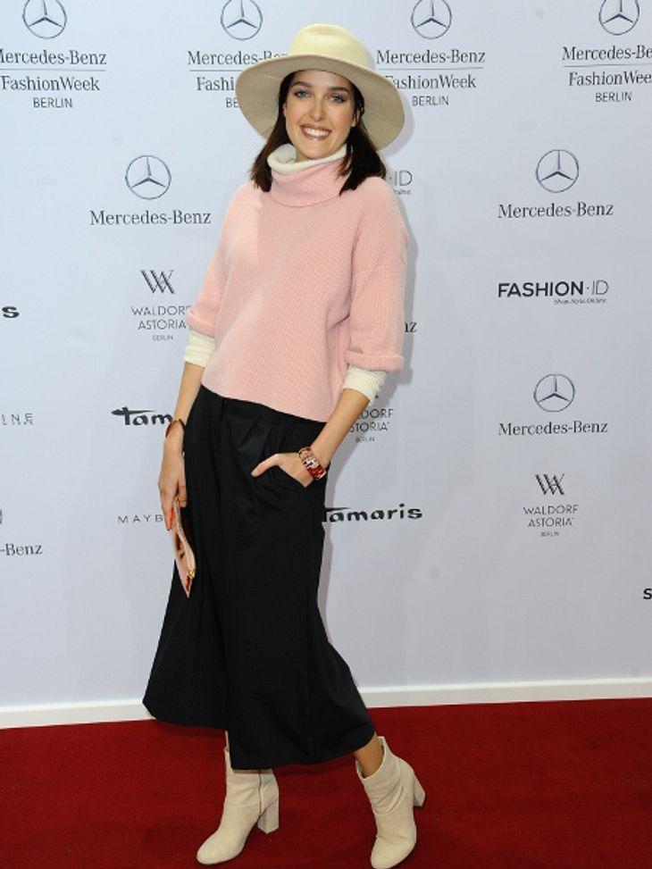 Marie Nasemann strahlend schön auf der Fashion Week