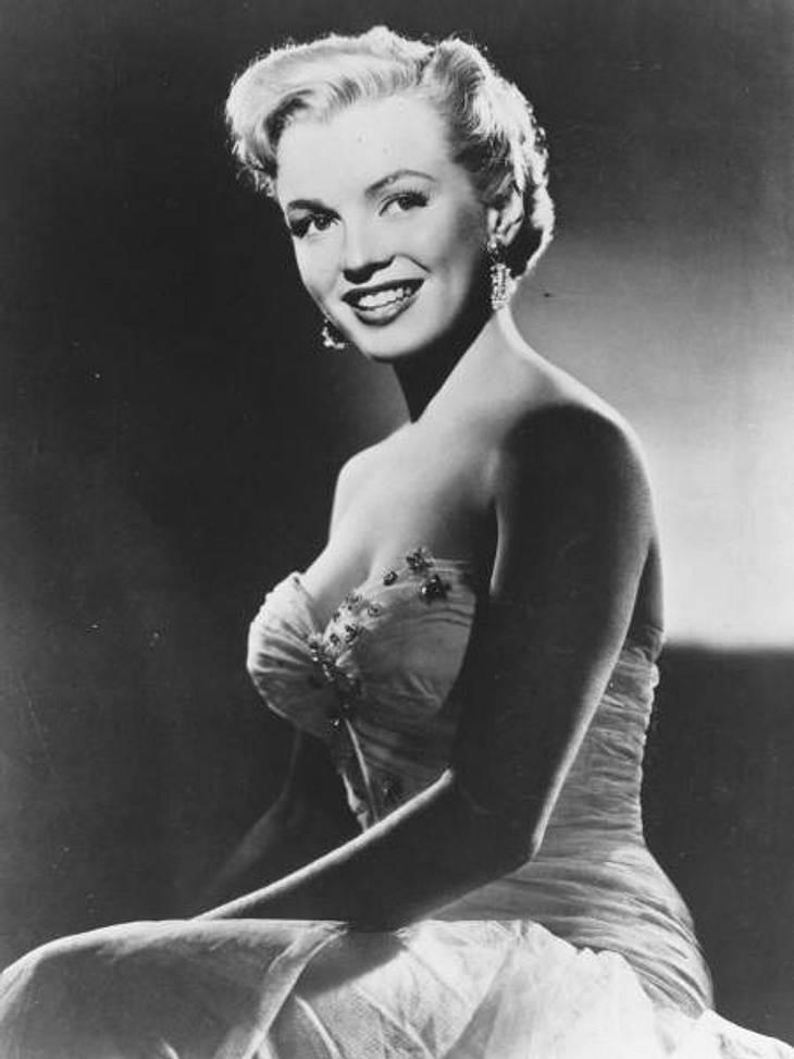 Die skurrilsten Promi-Gerüchte,Marilyn Monroe(†36): Jung, grazil, hübsch, erfolgreich, von vielen beneidet und... Pornodarstellerin? Das zumindest behaupten Insider, die sich auf geheime FBI-Akten beziehen. Darin ist angeblich verzeichnet,