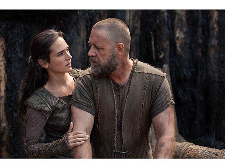 Als moralischer Kompass steht Nameeh Noah als liebende Ehefrau in diesen entbehrungsreichen Zeiten zur Seite und kämpft als loyale Mutter für das Wohl ihrer drei Söhne  wenn nötig, bis in den Tod.
