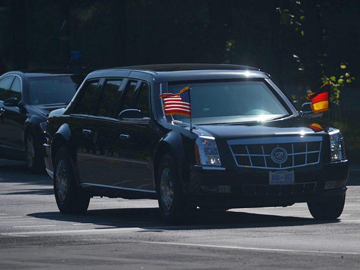 """Barack Obama besucht Berlin - """"The Beast""""Der US-Präsident wird von einer ganzen Armada von gepanzerten Fahrzeugen begleitet. Der Cadillac, in dem Obama durch Berlin chauffiert wird, trägt den Spitznamen """"The Beast"""" ('Das"""