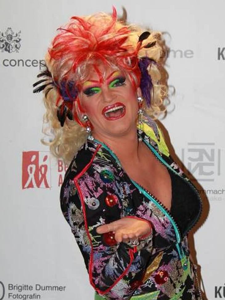 """""""Dschungelcamp"""" 2013 - die KandidatenOlivia Jones (42)Die wohl schillerndste Dschungel-Bewohnerin wird Drag Queen Olivia Jones sein. Ihr buntes Party-Leben auf der Hamburger Reeperbahn tauscht die 42-jährige im Januar für zwei Woc"""
