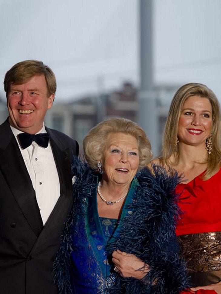 Willem-Alexander, seine Mutter Königin Beatrix und Máxima: Heute kommt es zum Führungswechsel in der niederländischen Monarchie.