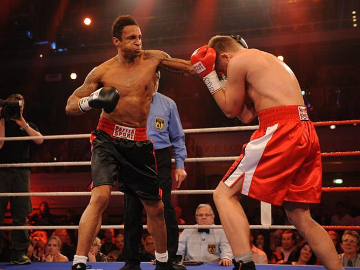 Daniel Aminati zeigte Nico Schwanz sene starke Linke.